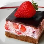 BRZI KOLAČ S JAGODAMA: Fantastičan desert za vruće dane