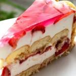 PIŠKOTA TORTA s jogurtom i jagodama