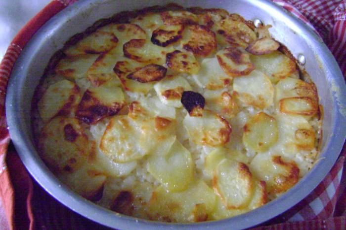Zapečena riža s mozzarellom i krumpirom