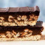 RECEPT KOJI ĆE OBRADOVATI MNOGE: Napravite pravi Snickers za samo 10 minuta!