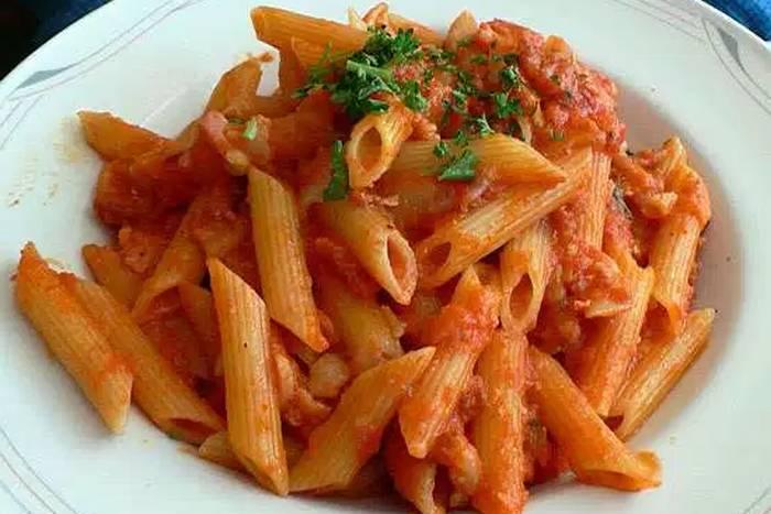 Zapecena tjestenina s rajcicom i tvrdim sirom