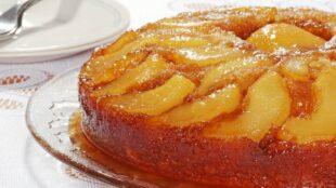 SOČNI KOLAČ OD KRUŠAKA: Iskoristite ovo sočno voće i napravite fini desert