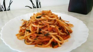 Špageti u paradajz sosu
