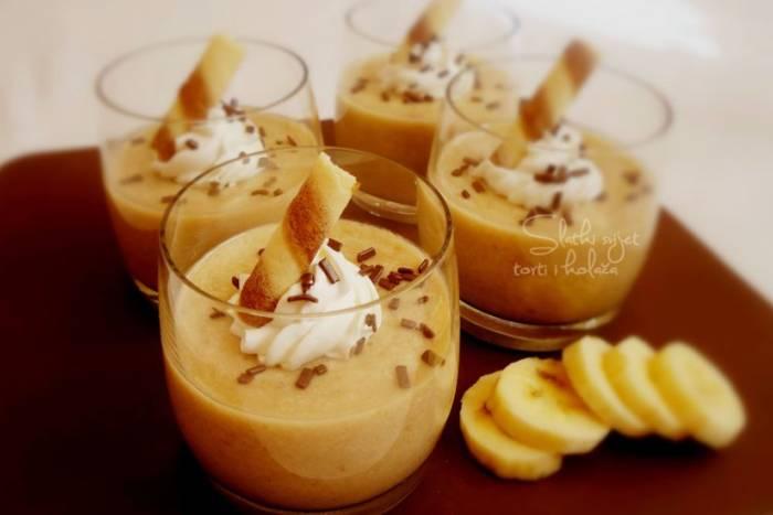 Banana krem desert