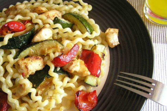 Tjestenina – kovrčavi špageti