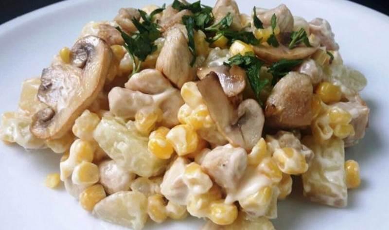 Obrok salata od piletine i krumpira