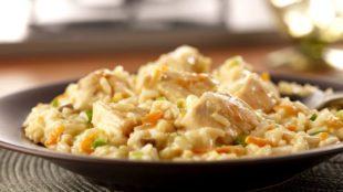 Marinirana pileća prsa s rižom i povrćem