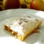 JEDNOSTAVNA I UKUSNA: Štrudla od jabuka s gotovim korama