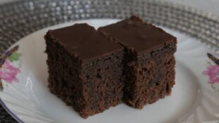 SOČNE RUM KOCKE: Fini kolač, jednostavan za pripremu, bogatog okusa