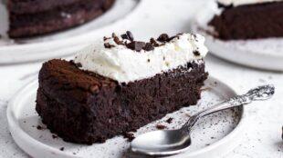 ČOKOLADNA TORTA BEZ BRAŠNA: Nevjerojatno ukusna, sočna i MOĆNA!